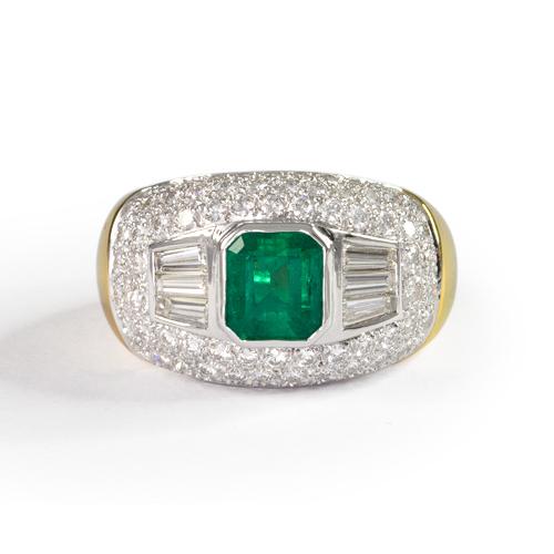 LAVERA Emerald and Diamond Ring