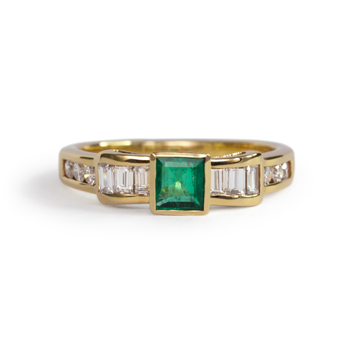 LAVERA Emerald and Diamond Ring HR00278/38GM