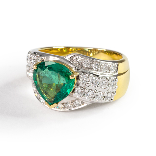 LAVERA Emerald and Diamond Ring