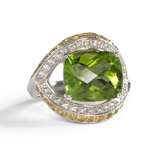 LAVERA Peridot and Diamond Ring